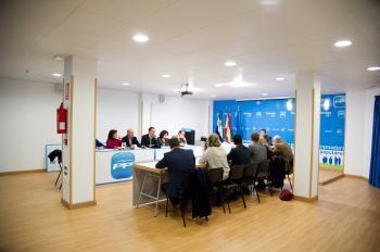 El PP felicita al GobEx por cumplir con la Renta Básica y critica al PSOE por «colgarse medallas»