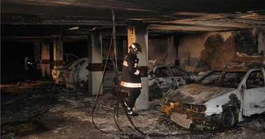 Un incendio en un garaje obliga a desalojar un bloque de 60 viviendas en Badajoz durante la madrugada