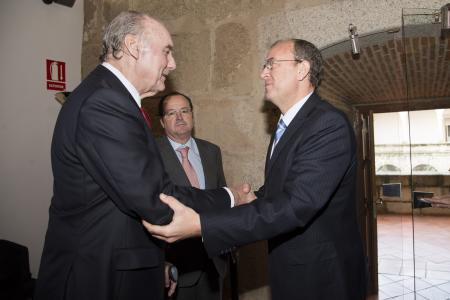 Monago se reúne con el secretario general de CREEX para dialogar sobre fiscalidad, deuda y emprendedores