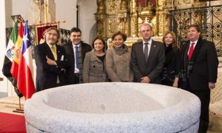 Monago inaugura el Año de Núñez de Balboa en el acto de presentación de la pila bautismal restaurada