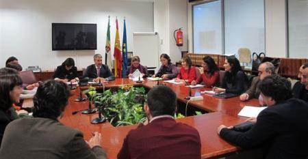 El Gobierno de Extremadura avanza con el sector el plan regional de estímulo para el comercio minorista