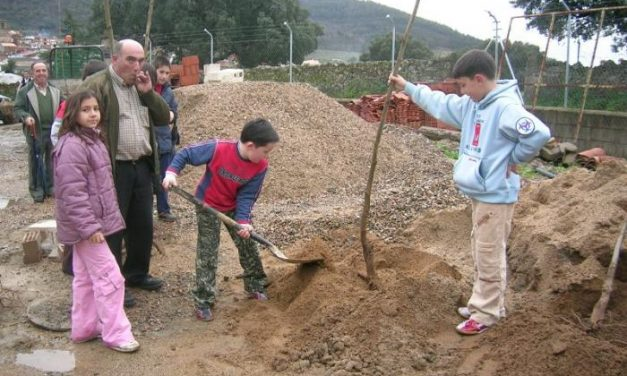 El Ayuntamiento de Villanueva de la Sierra aspira a que la Fiesta del Árbol sea de Interés Turístico