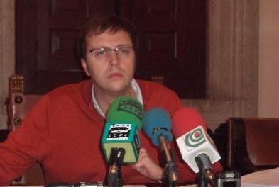 Plasencia solicita un crédito de dos millones para abonar la deuda del SEPEI y agilizar el pago a proveedores
