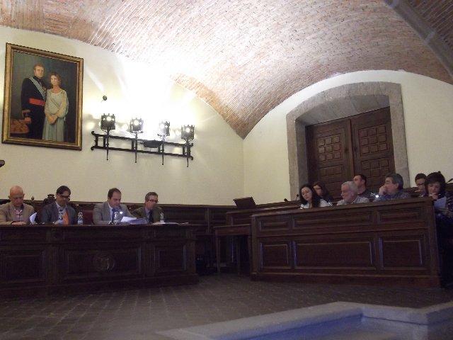"""Pizarro mantiene la puerta abierta al diálogo con los taxistas siempre y cuando """"cesen las hostilidades"""""""