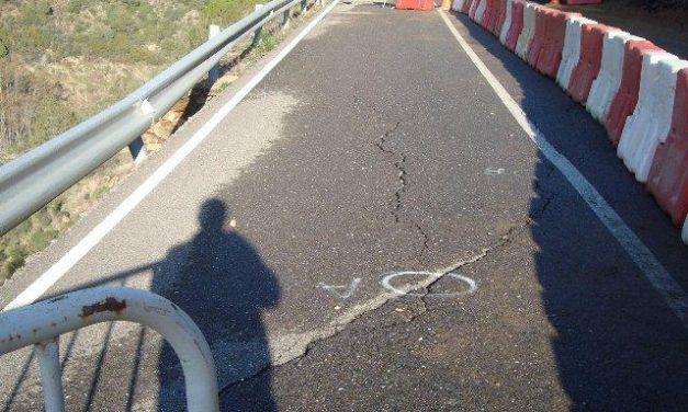 """Los socialistas de Las Mestas, en Ladrillar, exigen el """"inmediato"""" arreglo de la carretera local"""