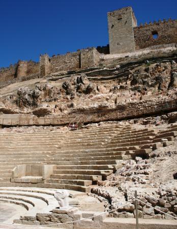 El Gobierno de Extremadura trabaja para que el Teatro Romano de Medellín se pueda visitar