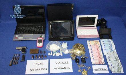 Ingresa en prisión un hombre  que portaba una pistola y sustancias estupefacientes en Badajoz