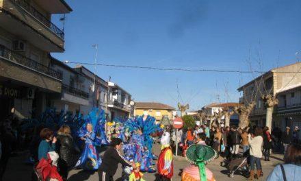 Los ganadores del Carnaval de Moraleja donan la mitad del premio a la Asociación Oncológica Extremeña
