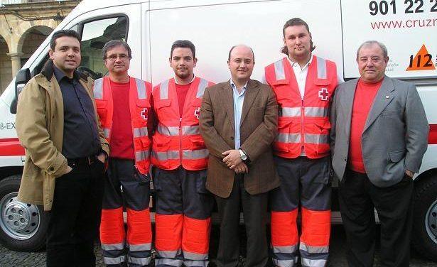 Cruz Roja de Valencia de Alcántara dispone de una nueva ambulancia con medios más modernos