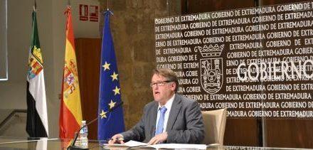 El Gobierno de Extremadura inicia los trámites para disolver el contrato suscrito con la compañía aérea Helitt
