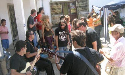 La asociación de Jóvenes Amigos de la Música desarrolla un taller musical en Montehermoso