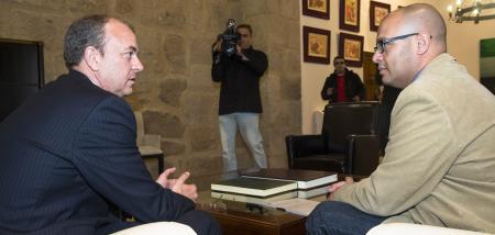 Monago recibe al coordinador territorial de UPyD para abordar la posible reforma de la Ley Electoral