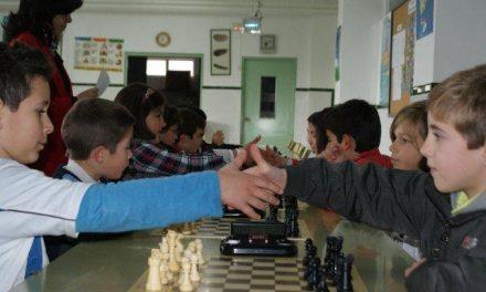 Más de treinta escolares disputarán el domingo en Moraleja la fase zonal JUDEX de Ajedrez