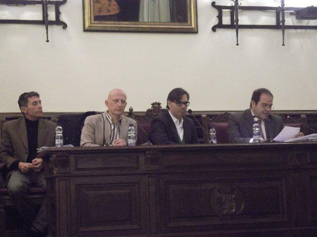 Plasencia disuelve el consorcio de incendios e intentará que la Diputación reduzca el precio del servicio