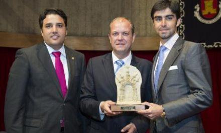 """Monago inaugura la VIII Feria Ibérica del Toro de Olivenza como una """"oferta única de Extremadura"""""""