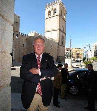 Miguel Celdrán confirma que abandona la alcaldía de Badajoz después de 18 al frente de la ciudad