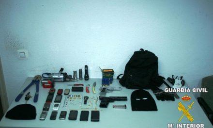 La Guardia Civil detiene a los integrantes de un grupo de delincuentes autores de siete robos con intimidación
