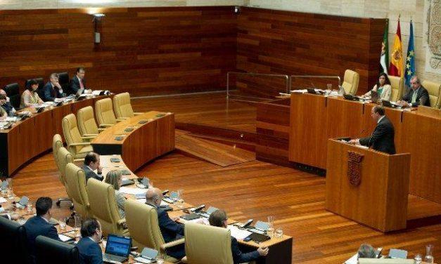 La Asamblea aprueba una reducción del canon del agua del 30% y exenciones a los usuarios con tarifa social