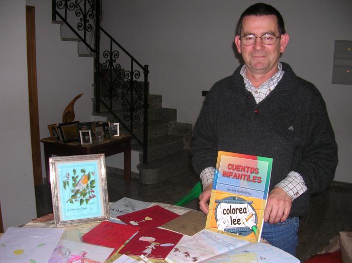 El escritor de cuentos infantiles Julio Mahíllo celebra una fiesta este viernes en Santibáñez el Bajo