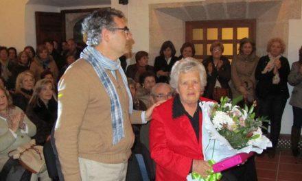 Valencia de Alcántara rinde homenaje a Tomasa Díaz como ejemplo de mujer luchadora y comprometida