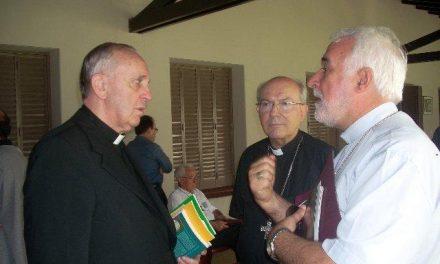 El obispo de Plasencia, que conoce personalmente al Papa Francisco I, lo define como un hombre «sensible»