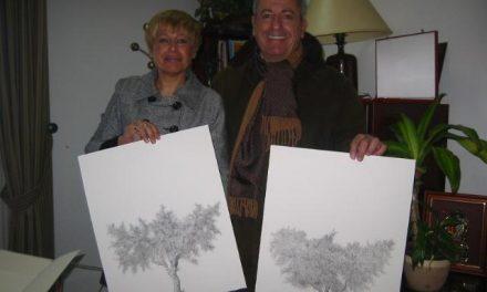 El pintor madrileño Eduardo Santos Guada regala dos de sus pinturas al Ayuntamiento de Aliseda