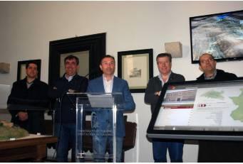 Carvajal estrena un punto interactivo para descargar información turística sobre rutas de Monfragüe