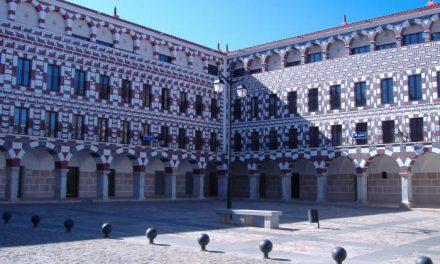 La Consejería de Fomento inicia las obras de reparación de las viviendas de la Plaza Alta en Badajoz
