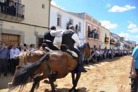 Protección Civil coordina los dispositivos de seguridad en el Chíviri en Trujillo y del Día de la Luz en Arroyo de la Luz