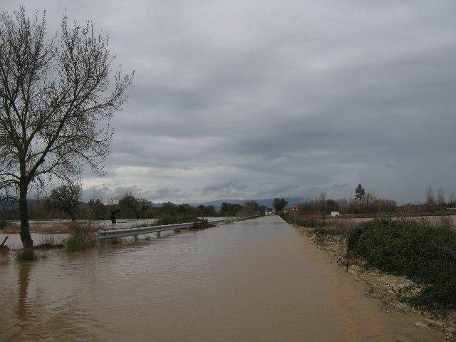 Las lluvias provocan inundaciones y obligan a cortar cinco carreteras en la provincia de Badajoz