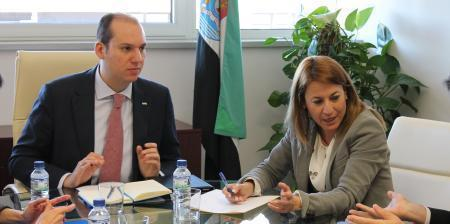 Carrón anuncia un expediente de resolución de contrato del Hospital de Cáceres por irregularidades