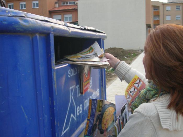 La Mancomunidad Sierra de San Pedro promueve la recogida selectiva de residuos y el uso de los contenedores