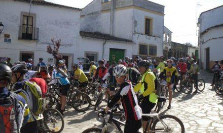 Más de 100 ciclistas realizaron la marcha «BBT Fresnedosa» en el término de Torrejoncillo