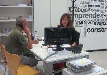El plan de emprendimiento 'Ser Empresaria' cuenta con una línea de un millón de euros en microcréditos