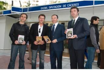 La Feria del Libro de Cáceres acoge las obras ganadoras de los premios de Novela Corta y Cuentos Ciudad de Coria