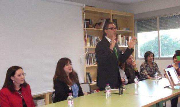 El Colegio Público El Pilar de Plasencia celebra el día del libro con una lectura compartida