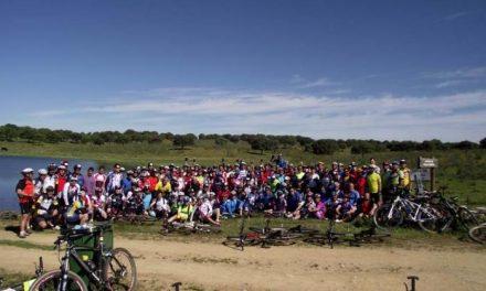 La ruta convivencia en BTT de Primavera en la Dehesa congrega a 150 ciclistas en el Valle del Alagón