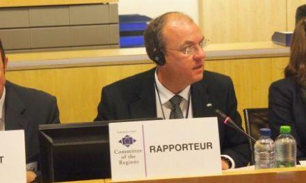 Monago defiende la agricultura y el empleo en su dictamen sobre la directiva europea del tabaco