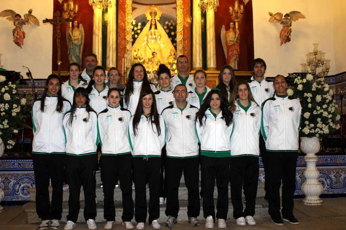 El Extremadura Arroyo ofrece el ascenso a la Virgen de la Luz y recibe un homenaje del Ayuntamiento