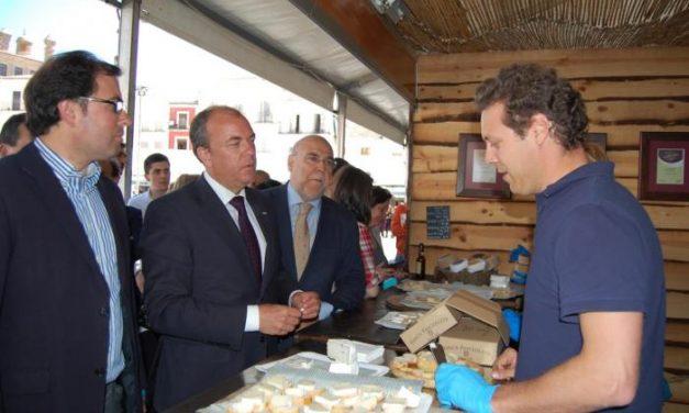 Monago destaca en Trujillo la importancia del sector agroalimentario para el crecimiento económico