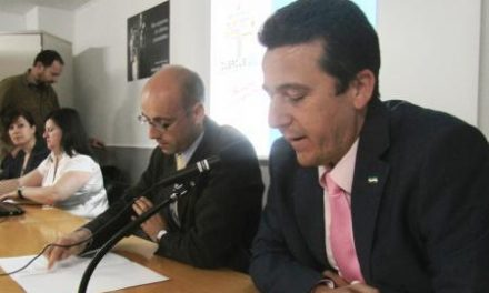 El Gobierno regional presenta la convocatoria de Becas Quercus-FP a los alumnos extremeños