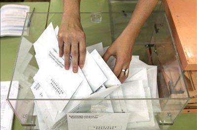 Un total de 896.320 extremeños podrán ejercer su derecho al voto en las elecciones del 9 de marzo