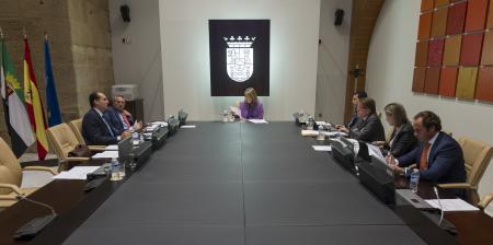 El Gobierno extremeño flexibiliza el acceso de los ciudadanos desahuciados a las viviendas sociales