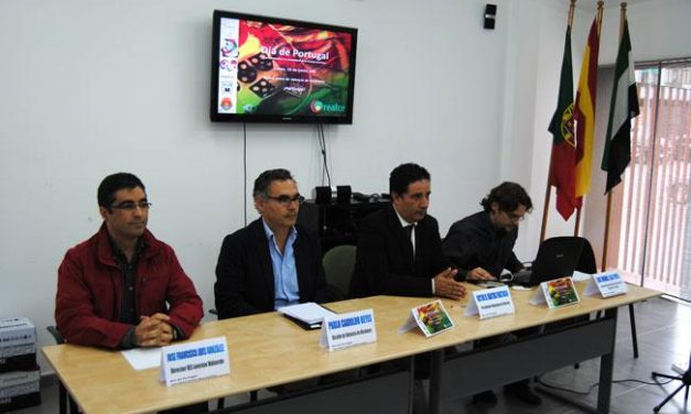 Alumnos del IES de Valencia de Alcántara riden homenaje a la cultura lusa en el Día de Portugal en Extremadura