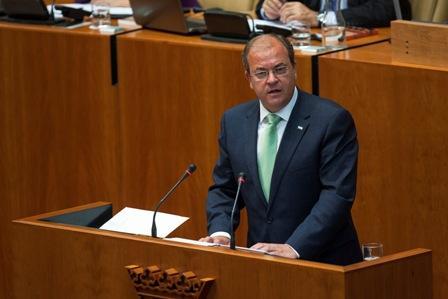 El presidente Monago  anuncia que bajará los impuestos a más de 400.000 extremeños
