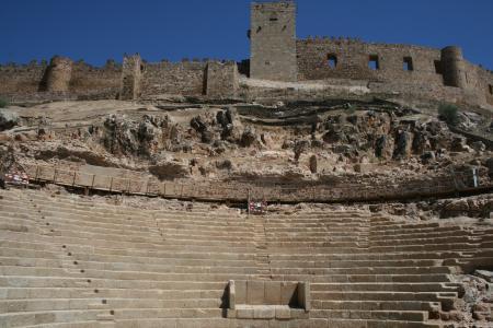Extremadura defiende en Atenas el buen trabajo de la restauración del Teatro Romano de Medellín