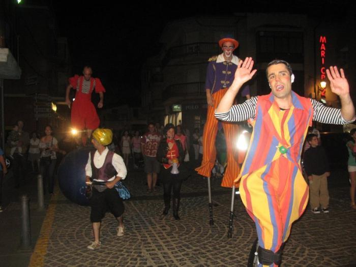 Cientos de personas disfrutan del  segundo festival de teatro en la calle el fin de semana en Moraleja