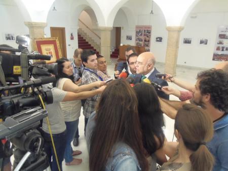 Monago no asumirá el dictamen sobre la directiva del tabaco por ser contrario a los intereses de Extremadura