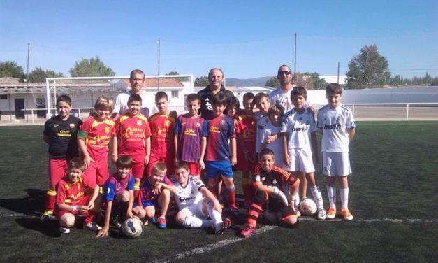 """""""Sentimiento Extremeño"""" de Moraleja celebra su aniversario con los socios de la peña del Barcelona"""