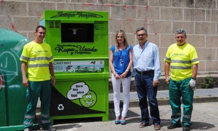 El Ayuntamiento de Valencia de Alcántara instala cuatro contenedores de recogida selectiva de ropa usada